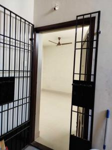 Gallery Cover Image of 1000 Sq.ft 2 BHK Apartment for rent in Karappakam for 20000