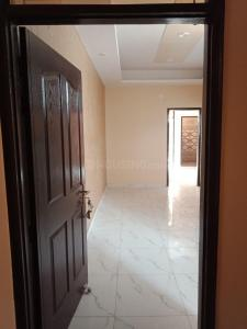 Gallery Cover Image of 850 Sq.ft 2 BHK Independent Floor for buy in Sector 4 Greater Noida West for 2300000