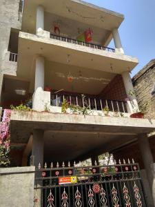Gallery Cover Image of 4000 Sq.ft 5 BHK Independent House for buy in Pimple Saudagar for 22500000