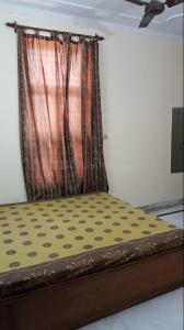 Gallery Cover Image of 891 Sq.ft 3 BHK Independent Floor for rent in Vikaspuri for 30000