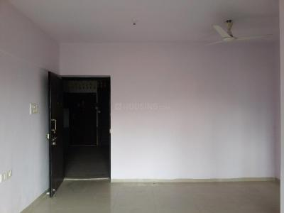 Gallery Cover Image of 935 Sq.ft 2 BHK Apartment for buy in Thane West for 9200000