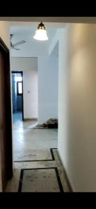 Gallery Cover Image of 1208 Sq.ft 2 BHK Apartment for rent in Royale Garden Estate, Sector 61 for 17500