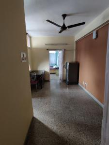 Gallery Cover Image of 700 Sq.ft 2 BHK Apartment for rent in Tollygunge for 17000