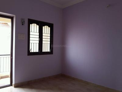 Gallery Cover Image of 744 Sq.ft 2 BHK Apartment for buy in Kolathur for 4000000