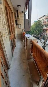 Gallery Cover Image of 2000 Sq.ft 3 BHK Villa for buy in Janakpuri for 120000000