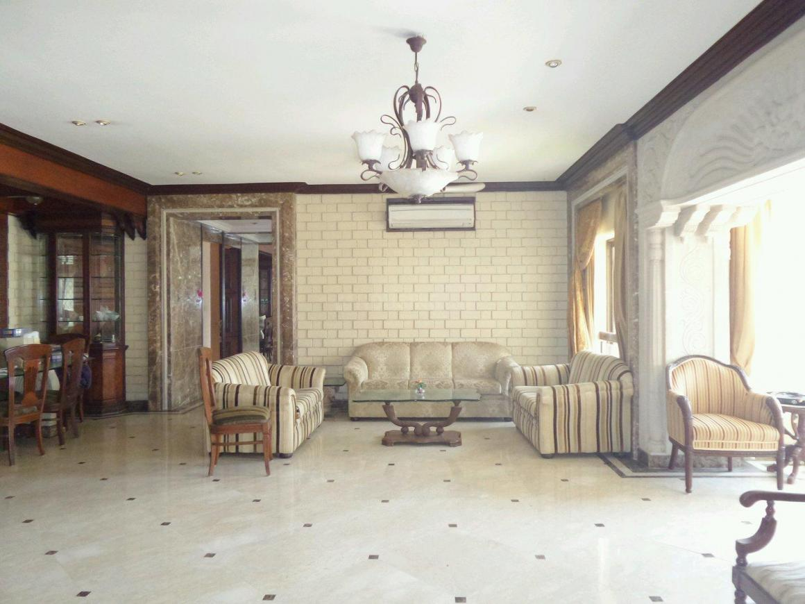 Living Room Image of 3000 Sq.ft 5 BHK Independent House for rent in Santacruz East for 250000