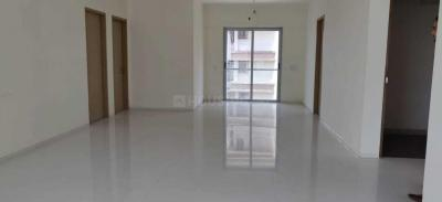 Gallery Cover Image of 1800 Sq.ft 3 BHK Apartment for buy in Prabhadevi for 62500000