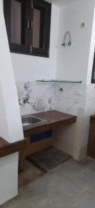 Bathroom Image of Hosteller Noida in Sector 19
