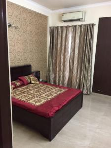 Gallery Cover Image of 35000 Sq.ft 4 BHK Independent House for buy in Vaishali for 54000000