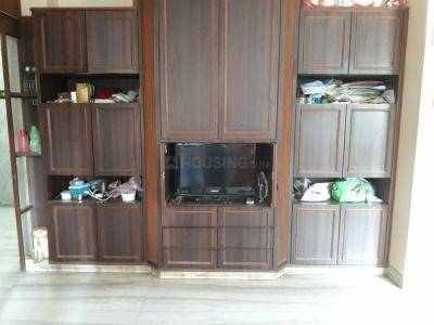 Gallery Cover Image of 600 Sq.ft 1 BHK Apartment for rent in Colaba for 70000