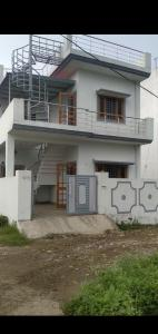 Gallery Cover Image of 1044 Sq.ft 3 BHK Independent House for buy in Ajabpur Khurd for 7000000