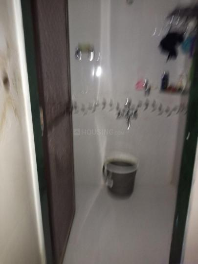 Bathroom Image of 620 Sq.ft 1 BHK Independent House for rent in Airoli for 15000