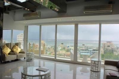 Gallery Cover Image of 5000 Sq.ft 5 BHK Independent Floor for buy in Bandra West for 350000000