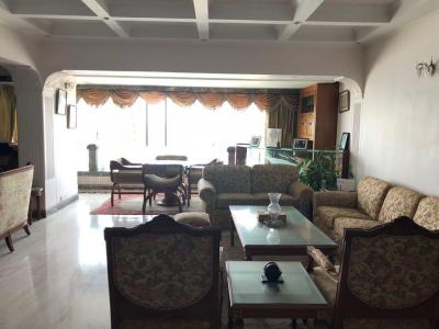 Gallery Cover Image of 2500 Sq.ft 3 BHK Apartment for rent in Churchgate for 400000