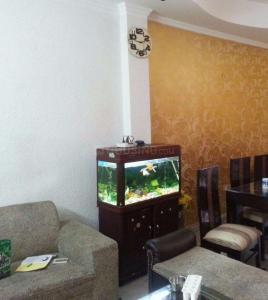 Gallery Cover Image of 1100 Sq.ft 3 BHK Apartment for rent in Gyan Khand for 13500