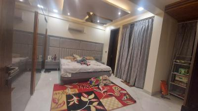 Gallery Cover Image of 3500 Sq.ft 4 BHK Independent Floor for buy in Parker White Lily, Kumashpur for 13500000