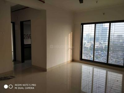 Gallery Cover Image of 620 Sq.ft 1 BHK Apartment for rent in Kandivali West for 23000