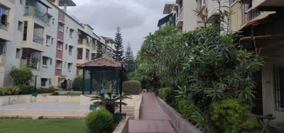 Gallery Cover Image of 1350 Sq.ft 2 BHK Apartment for rent in Esteem Royale, Koramangala for 37000