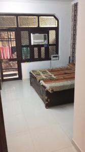 Gallery Cover Image of 600 Sq.ft 1 RK Independent Floor for rent in Sector 17 for 11000