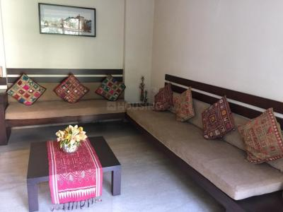 Gallery Cover Image of 700 Sq.ft 1 BHK Apartment for rent in Malabar Hill for 68000
