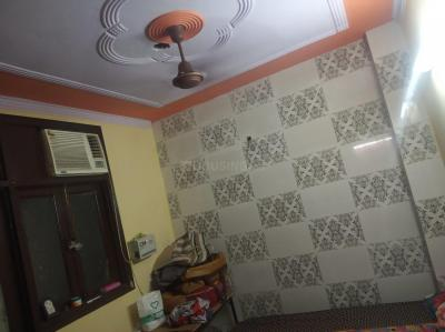 Gallery Cover Image of 400 Sq.ft 1 BHK Independent Floor for rent in Govindpuri for 9000