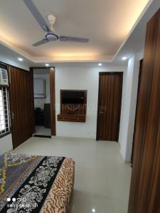 Gallery Cover Image of 650 Sq.ft 1 BHK Independent Floor for rent in DLF Phase 4 for 18000