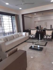 Gallery Cover Image of 3600 Sq.ft 3 BHK Apartment for rent in Ambli for 100000
