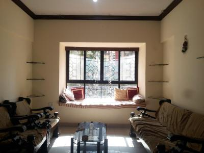 Gallery Cover Image of 1065 Sq.ft 3 BHK Apartment for rent in Kandivali East for 28000