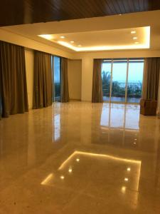 Gallery Cover Image of 4000 Sq.ft 4 BHK Apartment for rent in Bandra West for 850000