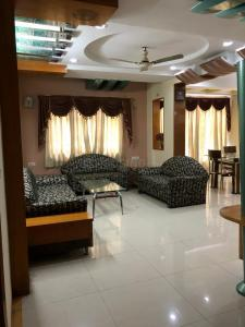 Gallery Cover Image of 1800 Sq.ft 3 BHK Apartment for rent in Navrangpura for 33000