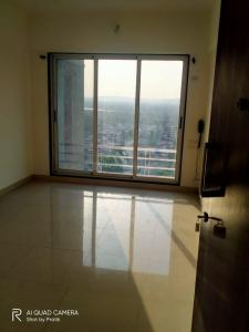 Gallery Cover Image of 650 Sq.ft 1 BHK Apartment for rent in Romell Empress, Borivali West for 20000