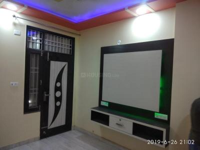 Gallery Cover Image of 891 Sq.ft 3 BHK Apartment for rent in Dwarka Mor for 15000