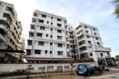 Gallery Cover Image of 4000 Sq.ft 5 BHK Apartment for buy in Navratna Complex for 10800000