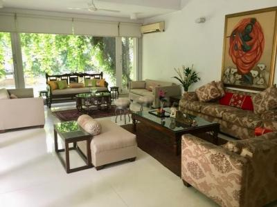 Gallery Cover Image of 4000 Sq.ft 4 BHK Independent House for buy in Sainik Farm for 50000000