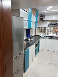 Gallery Cover Image of 2000 Sq.ft 3 BHK Apartment for rent in Vashi for 55000