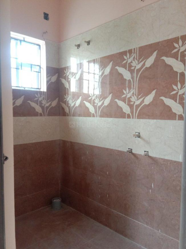 Bathroom Image of 550 Sq.ft 1 BHK Independent House for buy in Thirunindravur for 2200000