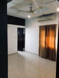 Gallery Cover Image of 800 Sq.ft 1 BHK Independent Floor for rent in  Builder Floors, Badarpur for 12000