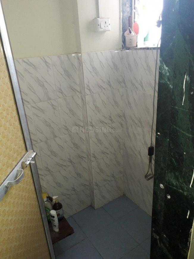 Common Bathroom Image of 350 Sq.ft 1 BHK Apartment for rent in Andheri East for 17000