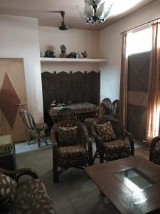 Gallery Cover Image of 2250 Sq.ft 4 BHK Independent Floor for buy in Rajendra Nagar for 10000000