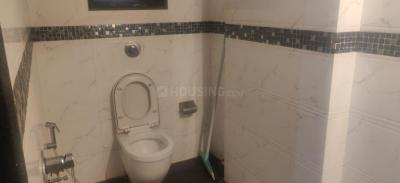 Bathroom Image of Flatsharing In 3bhk On Hill Road Bandra West in Bandra West