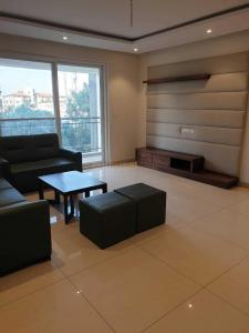 Gallery Cover Image of 1926 Sq.ft 3 BHK Apartment for buy in RR Signature, Chokkanahalli for 11000000