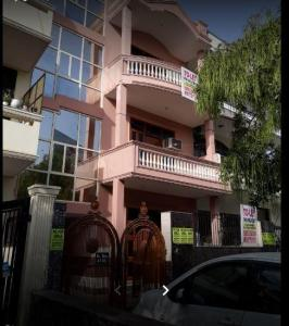 Building Image of Saanjh Girls PG in Sector 23