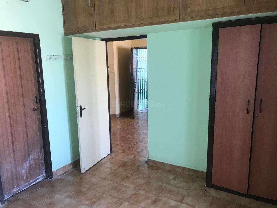 Bedroom Image of 1100 Sq.ft 2 BHK Apartment for rent in Perungalathur for 8000