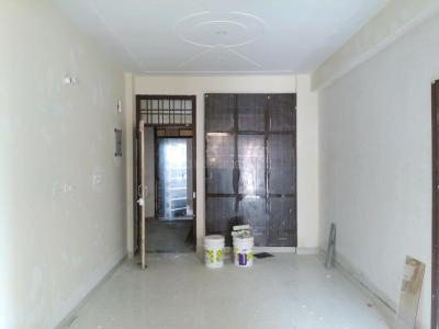 Gallery Cover Image of 750 Sq.ft 2 BHK Apartment for buy in Sector 3A for 3200000