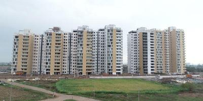Gallery Cover Image of 700 Sq.ft 1 BHK Apartment for buy in Wave Gardens, Patti Sohana for 3220000