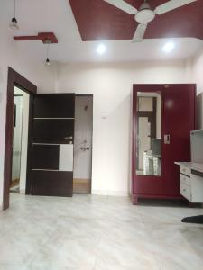 Gallery Cover Image of 811 Sq.ft 2 BHK Apartment for buy in Sion for 15500000