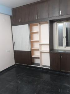 Gallery Cover Image of 1200 Sq.ft 2 BHK Apartment for rent in Kondapur for 20000