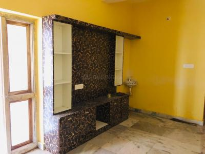 Gallery Cover Image of 1000 Sq.ft 2 BHK Apartment for rent in Kondapur for 15000