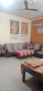 Gallery Cover Image of 1056 Sq.ft 2 BHK Apartment for buy in Dhawan Shiv Ganga Green City, Rehmadpur for 3200000