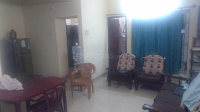 Gallery Cover Image of 1100 Sq.ft 2 BHK Apartment for rent in  Raghav Ramana Apartments, Selaiyur for 17500